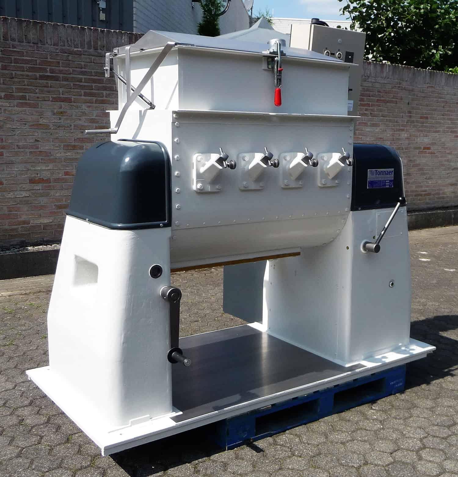 Dough breaker / mixer 750 ltr - Tonnaer Mixing Systems