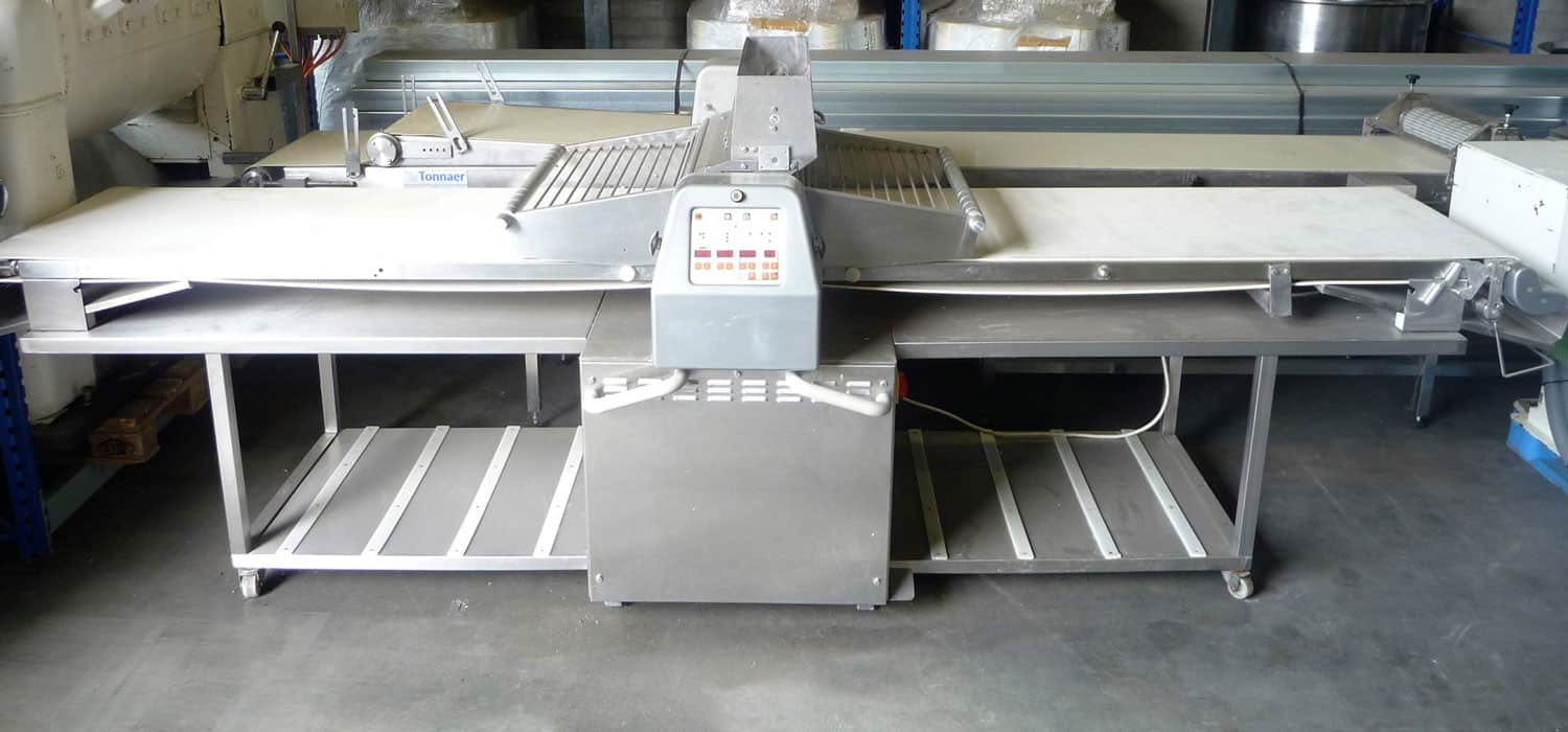 Dough rolling machine fully automatic - Tonnaer Mixing Systems